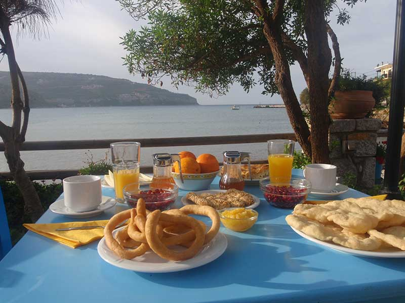 mani-elixirion-breakfast-area-elixirion-tastes14