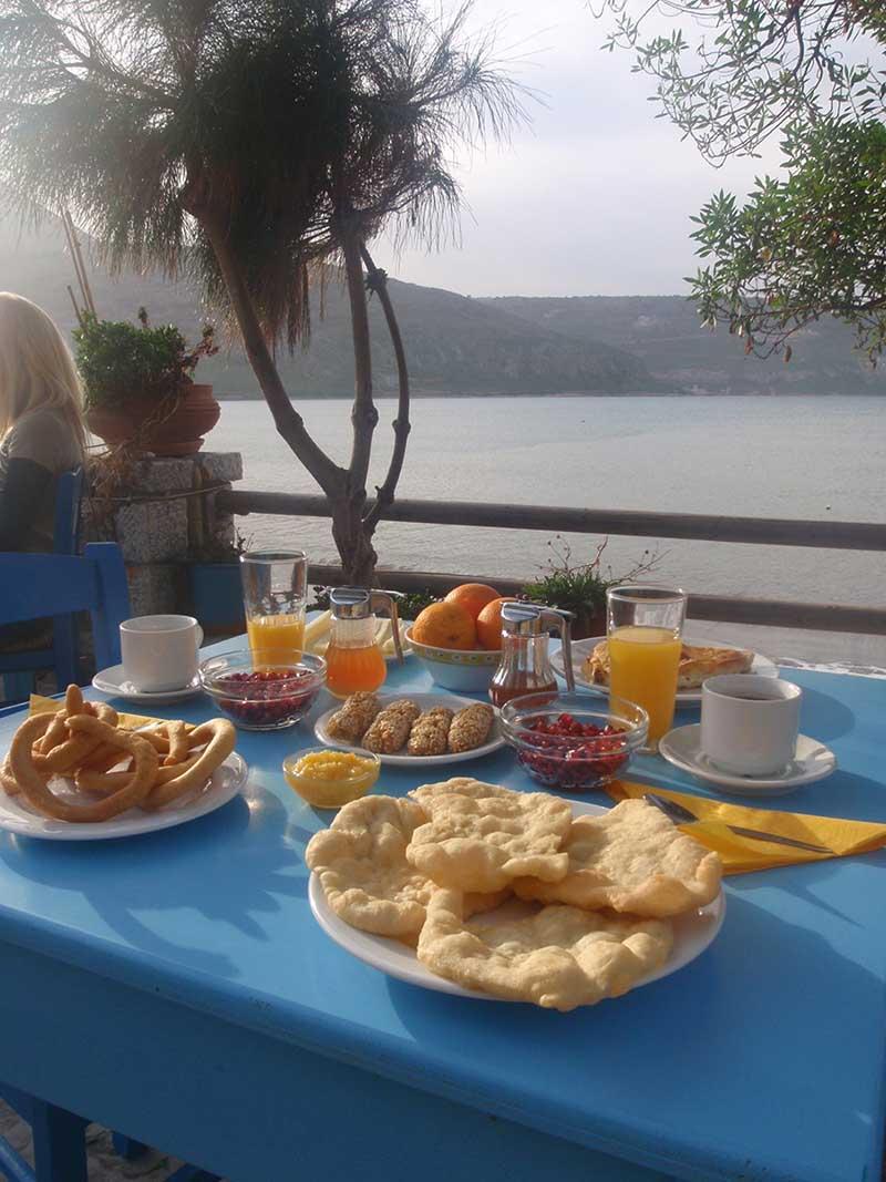 mani-elixirion-breakfast-area-elixirion-tastes16