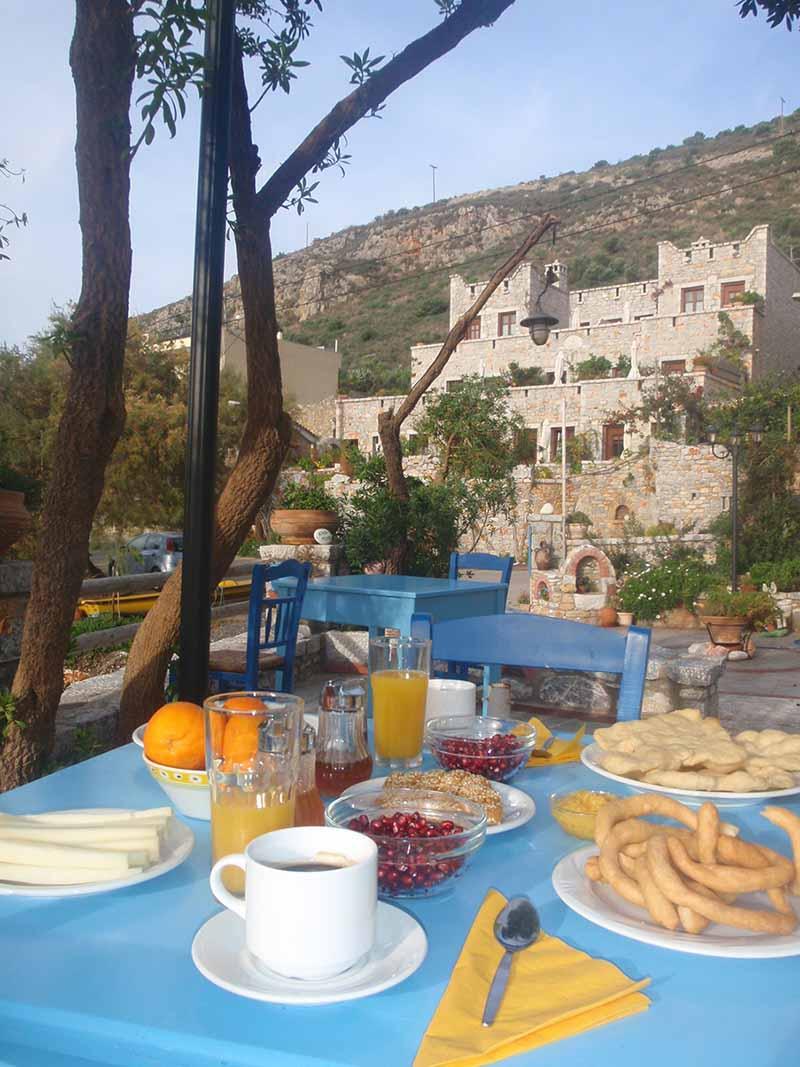 mani-elixirion-breakfast-area-elixirion-tastes17