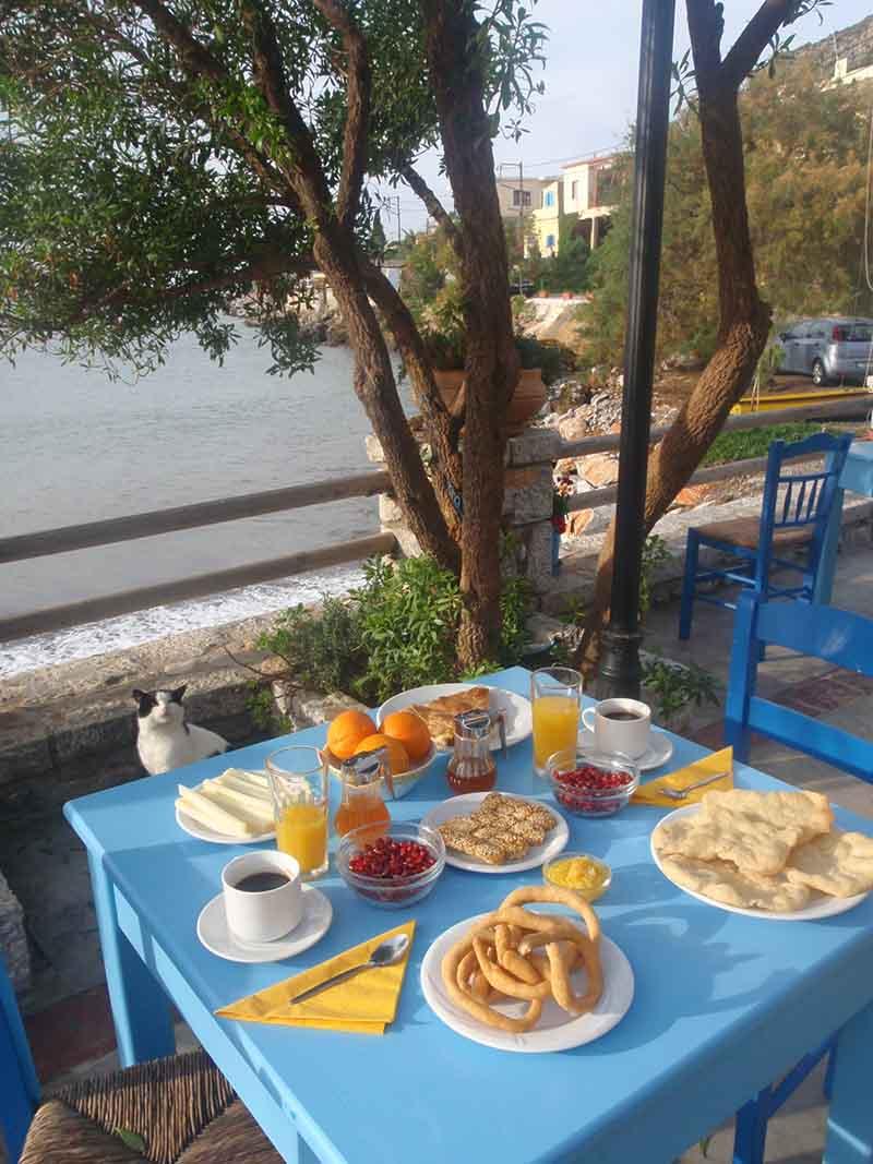 mani-elixirion-breakfast-area-elixirion-tastes19